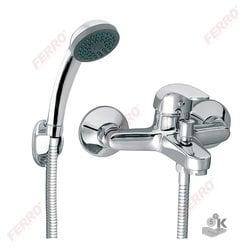 Смеситель настенный для ванны
